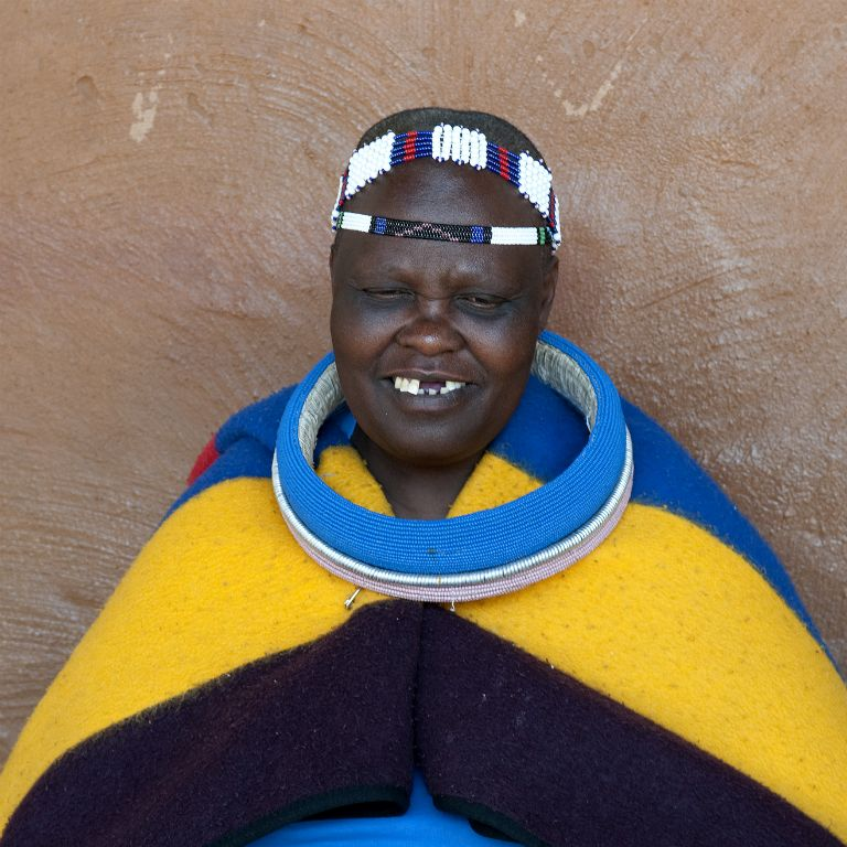 Lesedi Cultural Village, mujer ndebele
